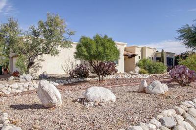 Corona de Tucson Single Family Home Active Contingent: 563 E Drawdown Trail