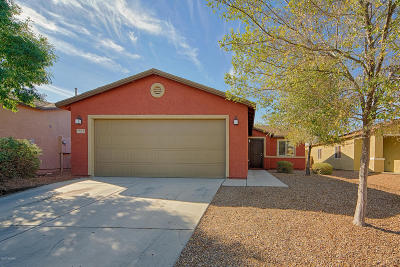 Single Family Home For Sale: 5026 E Kittentails Drive