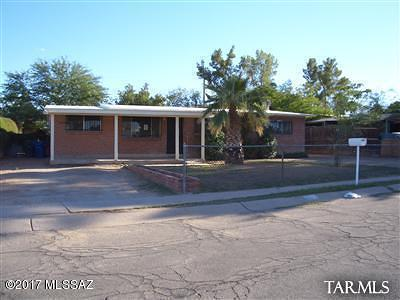 Single Family Home For Sale: 701 W Calle Garcia