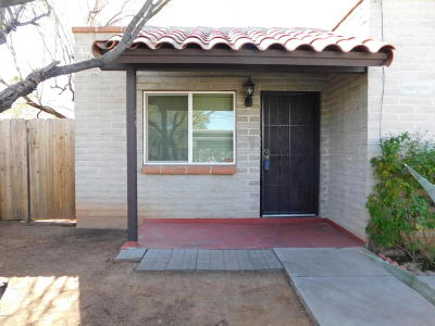 Pima County, Pinal County Condo Active Contingent: 211 W Roger Road #20