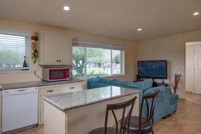 Single Family Home Active Contingent: 9154 E Kayenta Drive