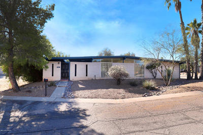 Single Family Home Active Contingent: 8800 E Lee Street