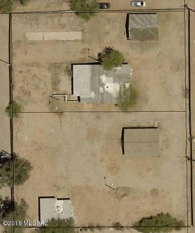 Residential Lots & Land Active Contingent: 3727 N Stone Avenue #1