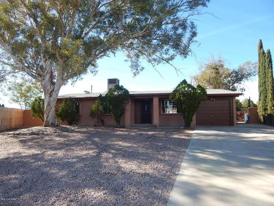 Tucson Single Family Home Active Contingent: 4872 S Champlain Place