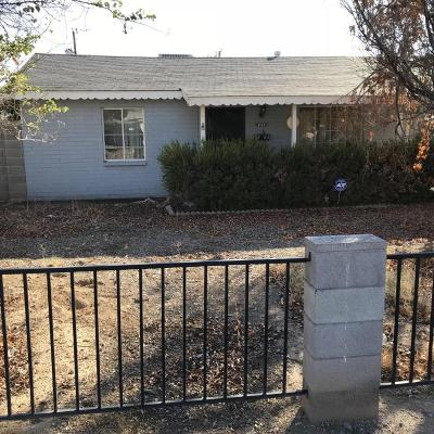 Phoenix Single Family Home Active Contingent: 1111 E Carol Avenue