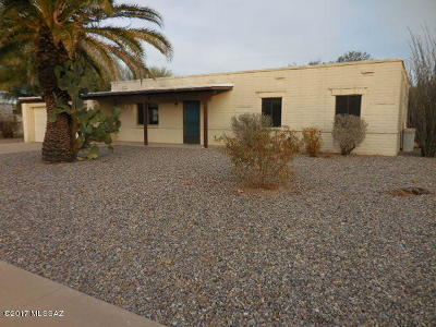 Green Valley Single Family Home Active Contingent: 945 S La Huerta