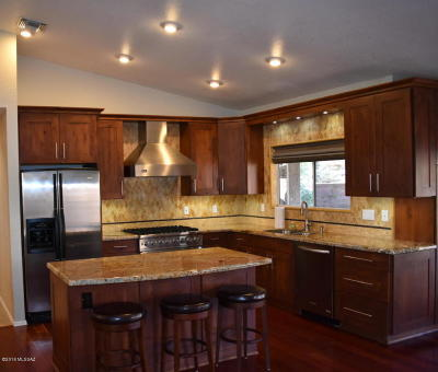 Oro Valley Single Family Home For Sale: 1100 W Wild Dune Lane