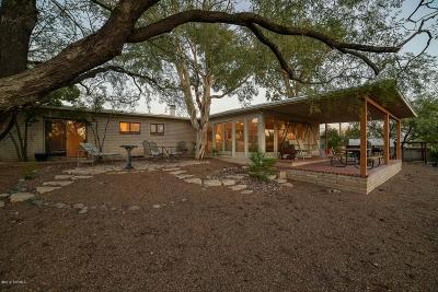 Tucson Single Family Home Active Contingent: 2401 N Calle De Maurer