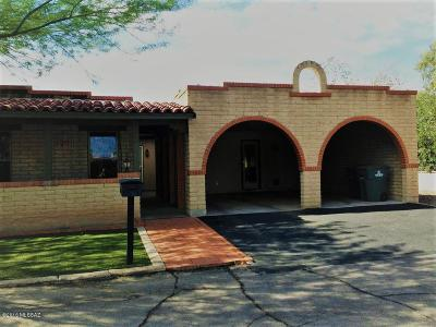 Pima County Townhouse For Sale: 7744 E Tanque Verde Lane