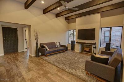 Single Family Home For Sale: 4790 N Via Sonrisa