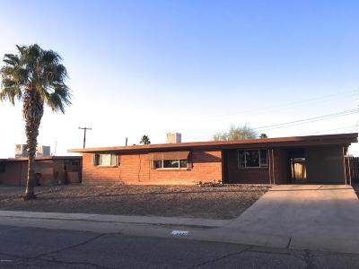 Pima County Single Family Home Active Contingent: 3322 W Calle Fresa