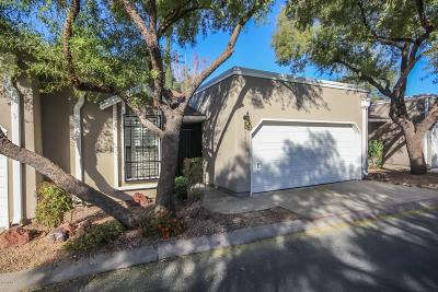 Pima County Townhouse For Sale: 6369 N Willowbrook Drive