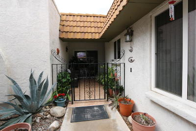 Pima County, Pinal County Townhouse For Sale: 660 E River Road #S