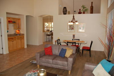 Tucson Single Family Home For Sale: 9733 E Sandcastle Court