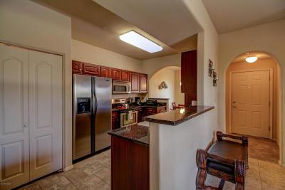 Tucson Condo For Sale: 2550 E River Road #18205