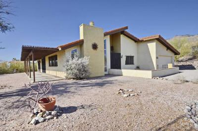 Tucson Single Family Home Active Contingent: 5817 N Camino Del Conde
