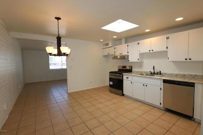 Tucson Townhouse For Sale: 2406 E Parkside Drive