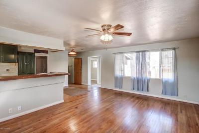 Single Family Home For Sale: 102 W Delano Street