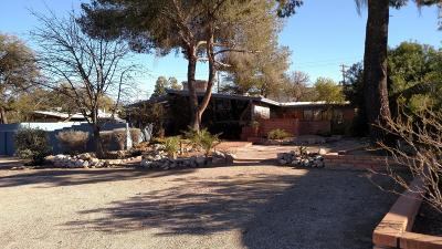 Single Family Home Active Contingent: 7002 E Opatas Place