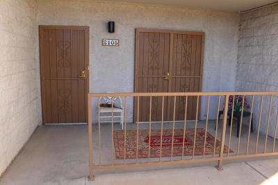 Pima County, Pinal County Condo Active Contingent: 7777 E Golf Links Road #2105