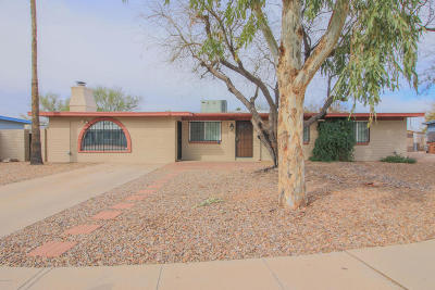Tucson Single Family Home Active Contingent: 5961 N Ilene Place