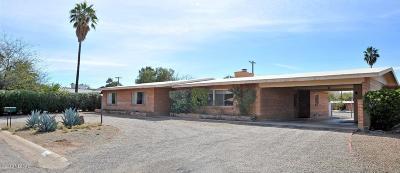 Tucson Single Family Home For Sale: 2210 E La Madera Drive