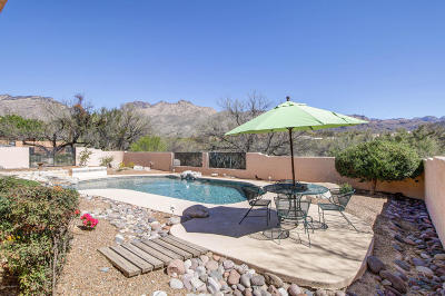 Tucson Single Family Home Active Contingent: 5720 N Chieftan Trail