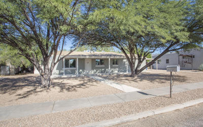 Single Family Home Active Contingent: 2557 E Hedrick Drive