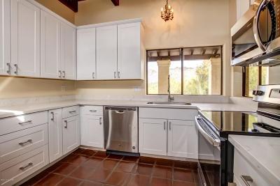 Single Family Home Active Contingent: 4590 N Avenida Del Cazador