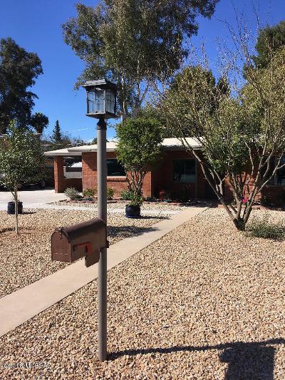Tucson Single Family Home For Sale: 3925 E Hampton Place