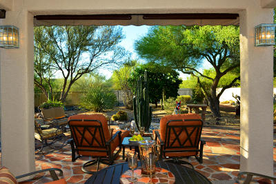 Oro Valley Single Family Home Active Contingent: 27 E Golden Sun Place