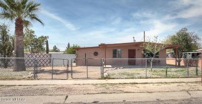 Single Family Home For Sale: 709 W Calle Rita