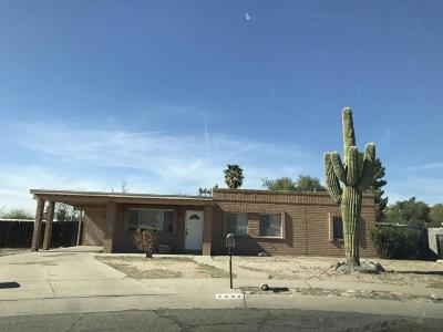 Tucson Single Family Home Active Contingent: 2432 W Las Lomitas