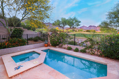 Pima County, Pinal County Townhouse For Sale: 6250 N Calle Retreta Serena