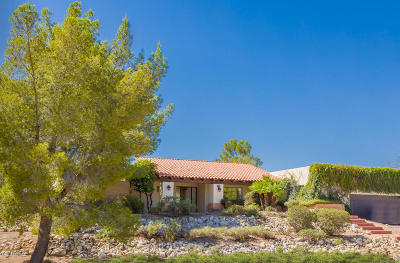 Single Family Home For Sale: 8462 E Hillwood Lane