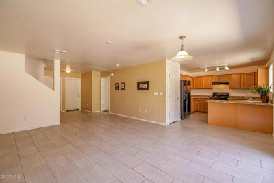 Green Valley Single Family Home Active Contingent: 18456 S Bellflower Place