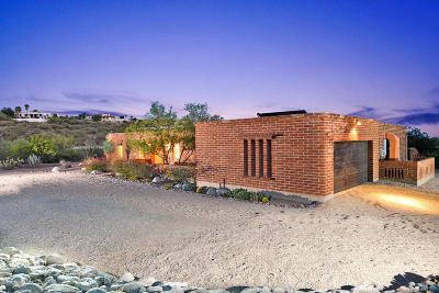 Tucson Single Family Home Active Contingent: 6062 N Camino Arizpe