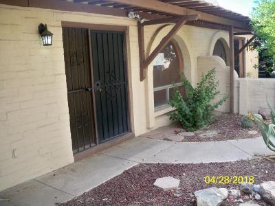 Catalina, Corona De Tucson, Green Valley, Marana, Oro Valley, Sahuarita, South Tucson, Tucson, Vail Townhouse For Sale: 5001 N Pueblo Villas Drive