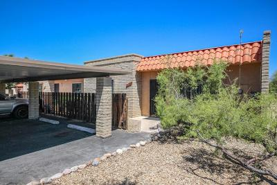 Pima County Townhouse For Sale: 9027 E Calle Norlo