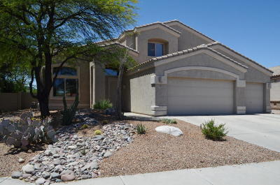 Oro Valley Single Family Home Active Contingent: 392 W Sacaton Canyon Drive