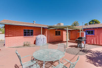 Single Family Home For Sale: 3356 E Camden Street