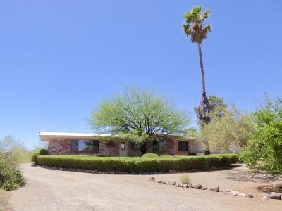 Tucson Single Family Home Active Contingent: 3233 N Camino De Oeste