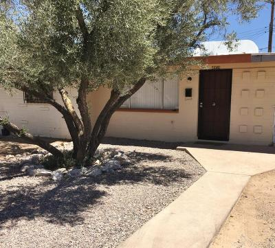 Pima County Townhouse Active Contingent: 4959 S Highland Drive