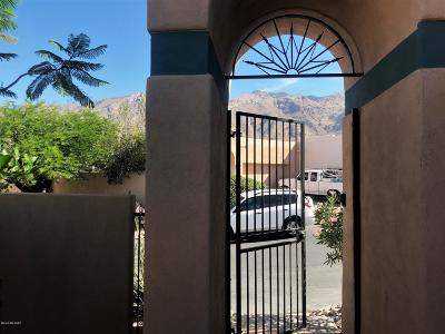 Pima County, Pinal County Townhouse For Sale: 4618 E Red Mesa Drive