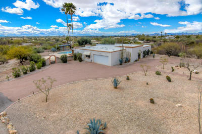 Tucson Single Family Home Active Contingent: 6700 E River Road
