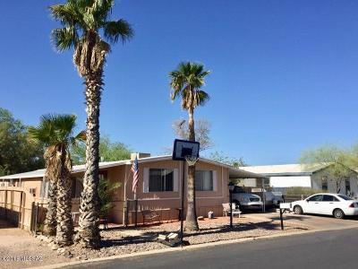 Pima County Manufactured Home Active Contingent: 3521 W Apricot Drive