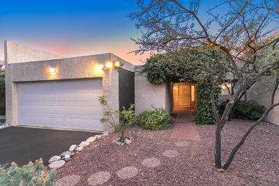 Tucson Townhouse For Sale: 6281 N Camino Los Mochis