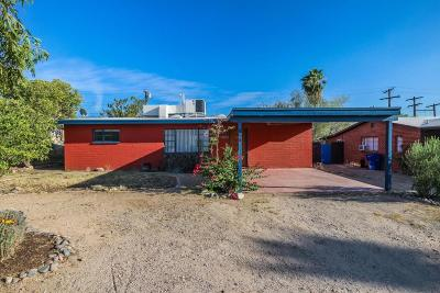 Single Family Home For Sale: 858 E Water Street