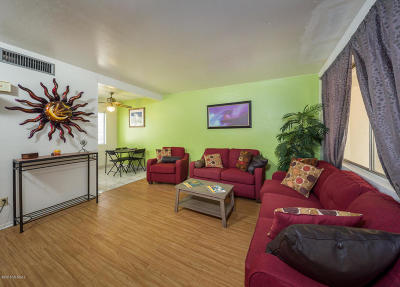 Pima County Townhouse For Sale: 9301 E Old Spanish Trail