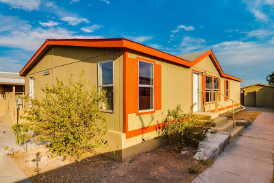 Pima County Manufactured Home Active Contingent: 786 W Lightstar Circle